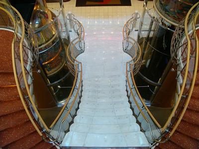 Forward Centrum Staircase