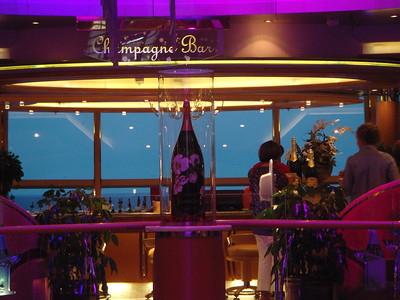 Champagne Bar off of Centrum