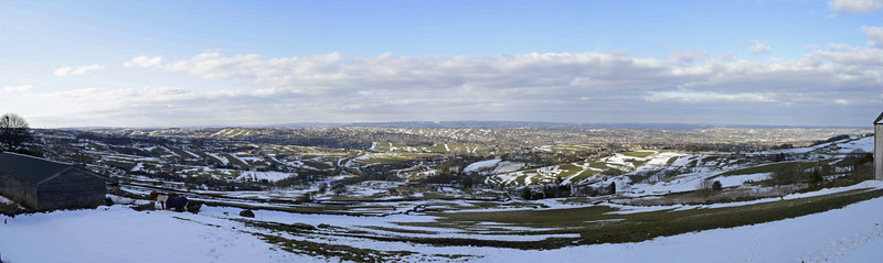 A unique view of one of North's most famous & distinct cities during a cold weather snap. The beauty of Bradford can be seen through it's populous Urban areas which are entwined with spectacular greenery and unique Yorkshire surroundings.  Picture taken in Queensbury, Bradford. West Yorkshire (UK)