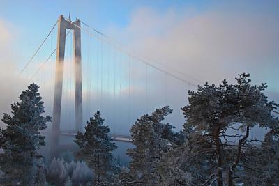 Suspension bridge in winter