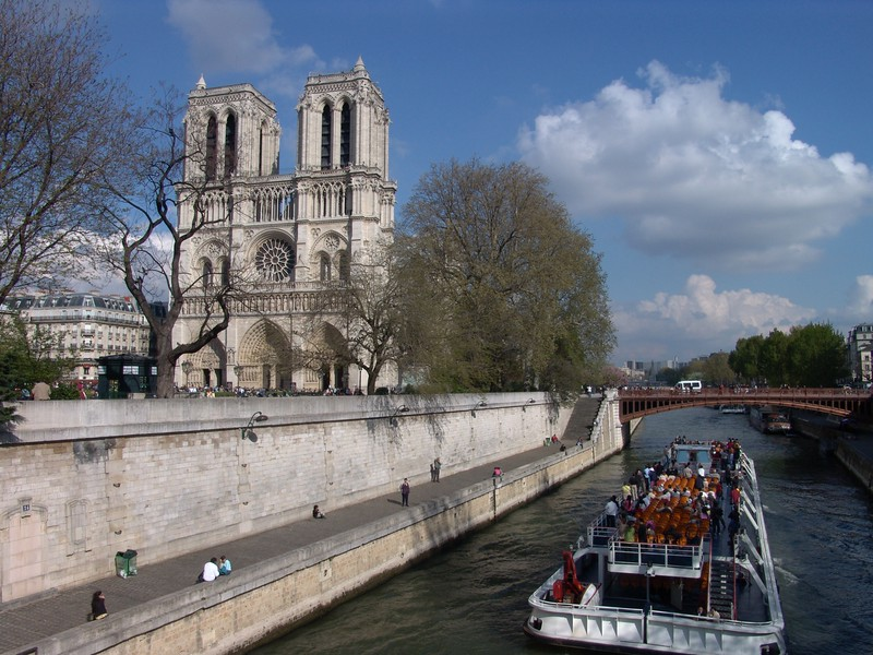 """NDex7: This is a sightseeing boat on the Seine River...called the """"Bateau Moche"""". I am looking forward to taking you on a ride!!"""