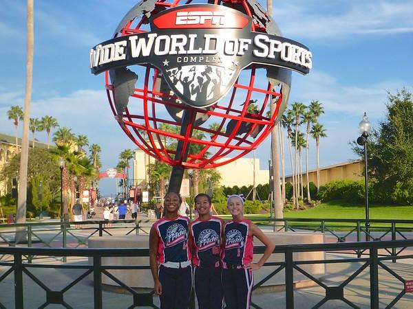 2013-08-03 | Lake Shore Pride_Universal-Disney