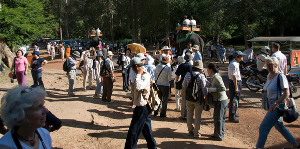 Crowds near gate to Angkor Thom