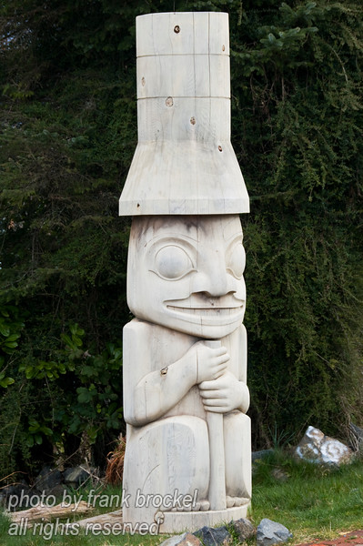 A small totem pole