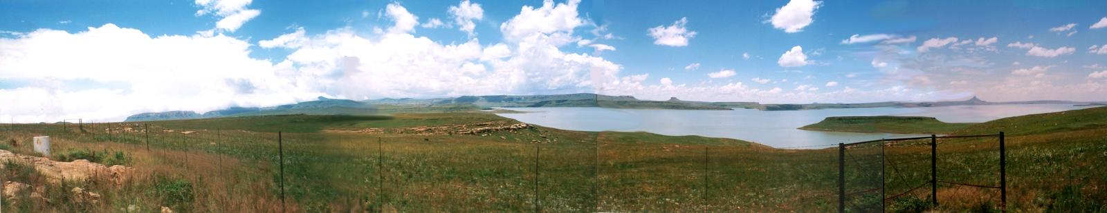 Hiking driving in the Drakensberg South Africa and  Bingelela B&B