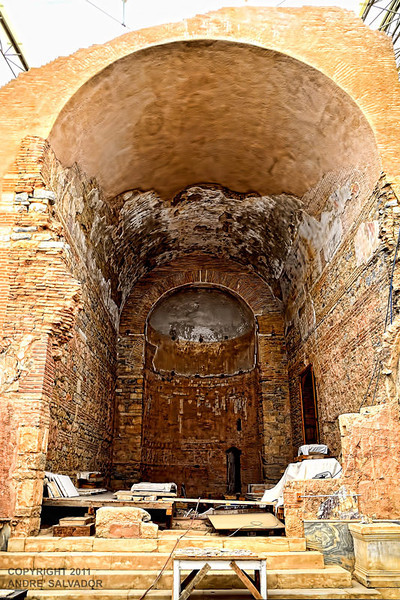 THIS IS AN ENTRANCE TO A LIVING QUARTER. LIVING QUARTERS OPEN TO A COURTYARD.