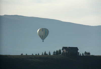 First we visited our friends Dan and Kathy Devlin at their home in Tabernash, which is high in the Rockies.  Here is a morning balloon rising out of nearby Winter Park as seen from the Devlin's back deck.