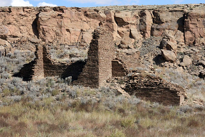 Once settled at the campground.  we started driving the loop road to visit sites.  This first one, Una Vida, we just looked at from the road.   One of the oldest ruins, it was occupied 800-1150AD.