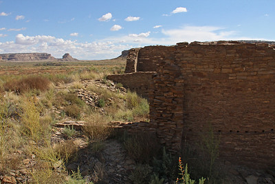 Hungo Pavi was occupied in the period of 1000-1250 AD.   This view looks back to the southeast toward Fajada Butte.