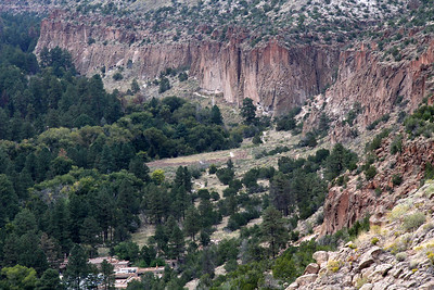 Most of the Bandelier ruins are along the base of the canyon walls.