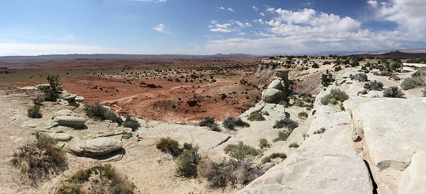 A 9-image panorama of the Castle Valley in central Utah.  I found that Utah is a land of panoramas  ...  such big views that no one image can catch what you see from a viewpoint.