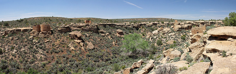 A wider view of the Square Tower canyon site.