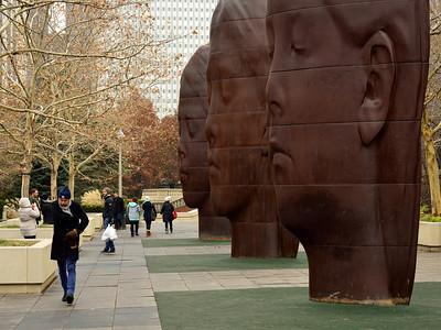 Milenium Park Face Statues