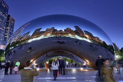 Cloud Gate ('The Bean') at Twilight