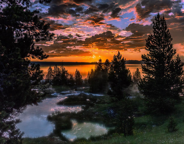 Sunrise Geyser Pools
