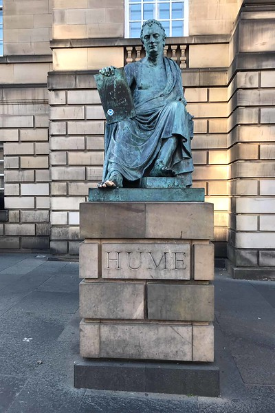 David Hume statue, Edinburgh, 06-27-2018