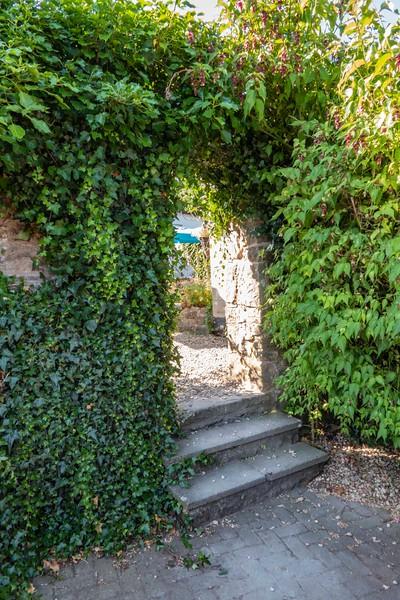 Entrance to private garden, Chepstow, 07-03-2018