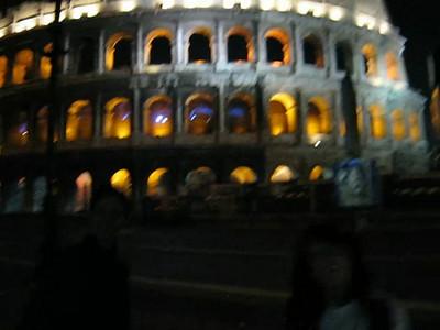 Hola and Hi from the Colosseo at night! 22nd May 2008