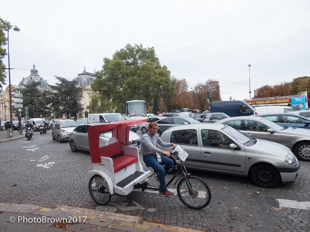 Bicycle Taxis Are Popular