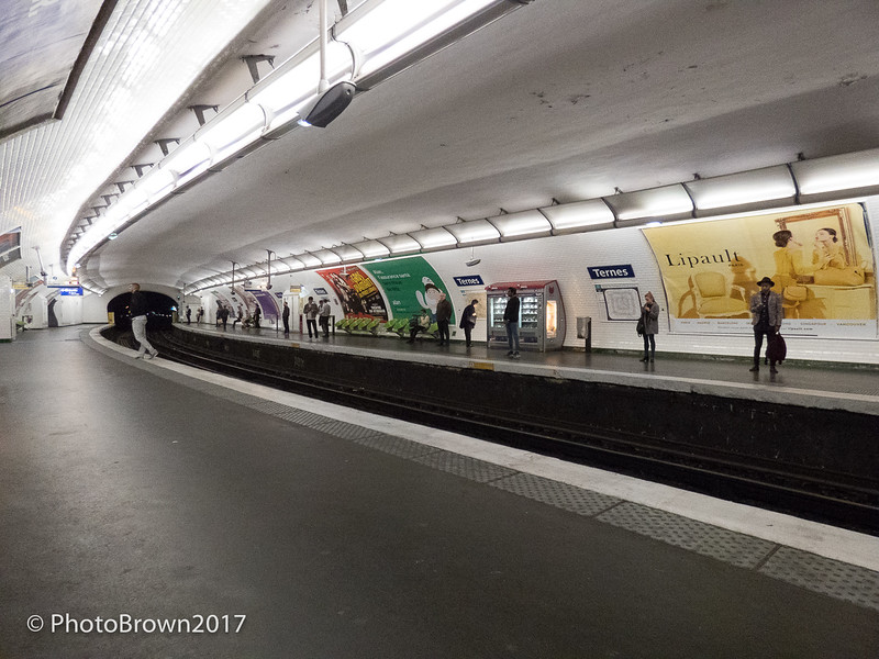 Ternes Metro Station,  Slow