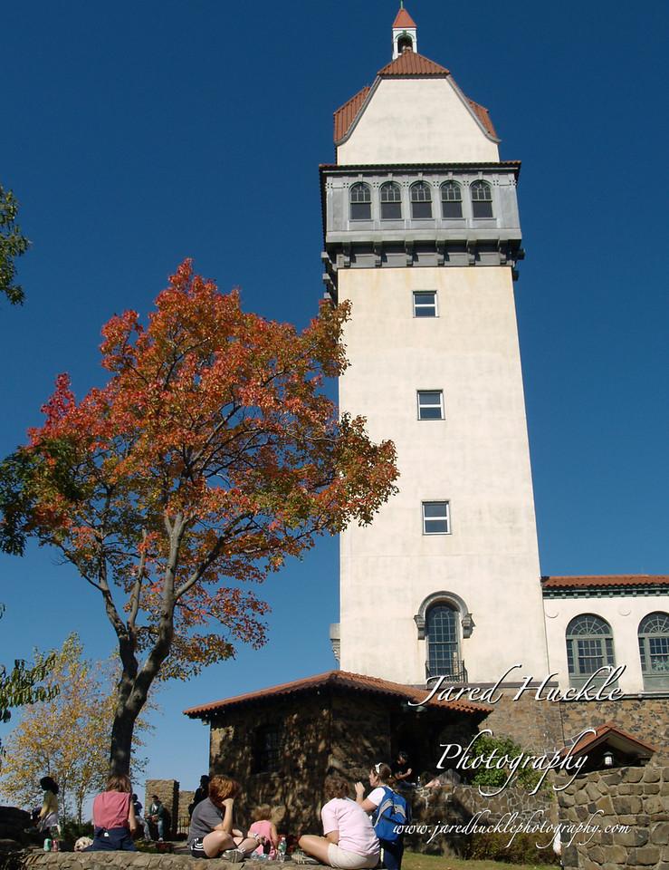 Heublien Tower, Talcott Mountain State Park