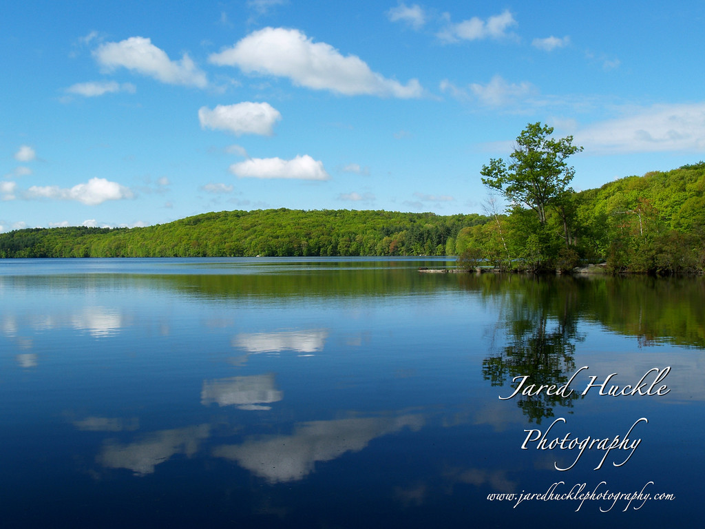 Snipsic Lake, Connecticut