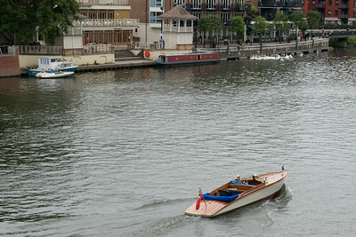 Thames River boating in serious style