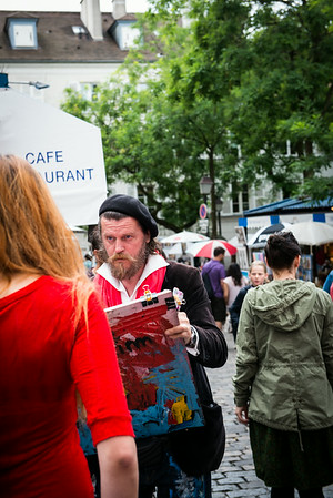 Cartoonist specializing in Tourist. Near Sacre Coeur in Montmartre