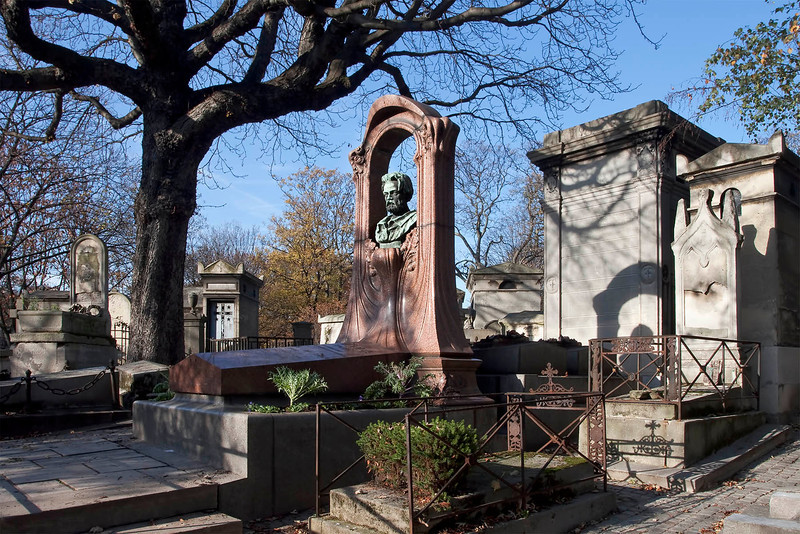 Paris, Montmartre Cemetery, Émile Zola Grave, November 2011