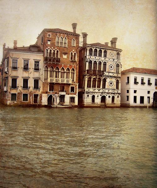 Venice, Ca' Dario (Palazzo Dario), November 2007