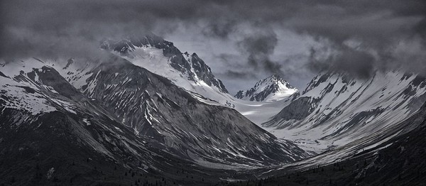 Alaska's mountain majesty