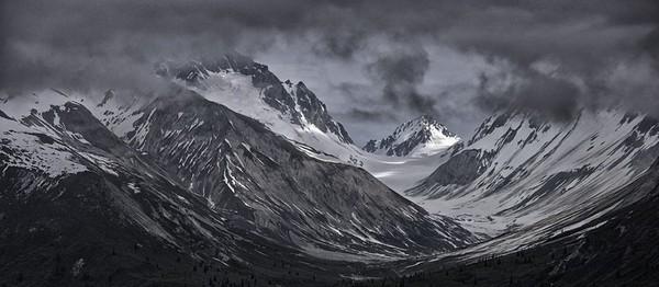 Alaska's mountain majesty