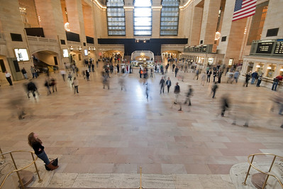 The magnificent main hall at Grand Central Station with its never ending flow of passengers going to one of dozens of platforms both upstairs and down!