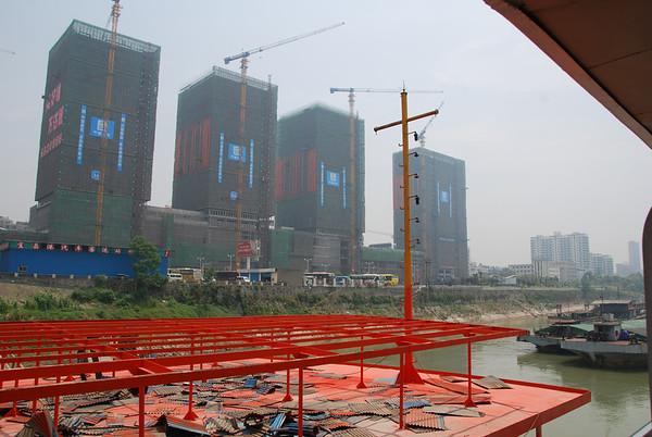 Day 9 Jun 18 Yichang City and Ship Lock at Gezhouba Dam