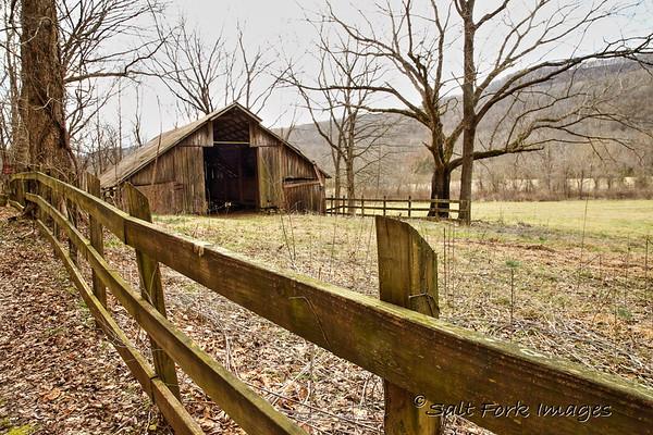 Always a sucker for an old barn - Boxley Valley, Arkansas