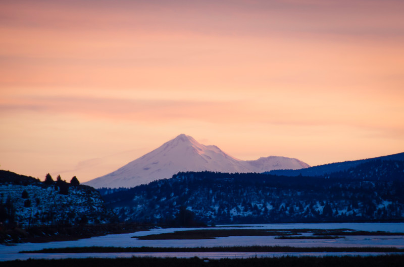 Mount Shasta glows in the sunset