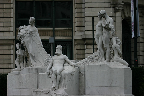 What is it about Europeans and statues of naked people?  I'm sure there is some great significance to this sculpture in Brussels......