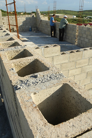 Construction with high-quality materials from Topline Materiaux de Construction - Haiti.