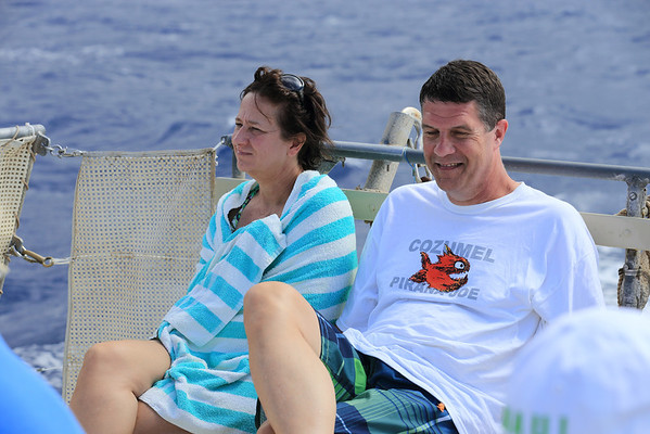 Who wears a Cozumel shirt in Hawaii?  Is Alan lost or something?