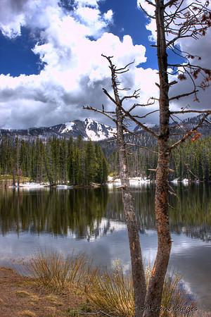 Sylvan Lake near the East Entrance of Yellowstone National Park, Wyoming.