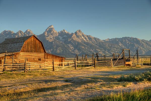 The Moulton Barn - Jackson Hole - Antelope Flats - Grand Teton National Park - Wyoming