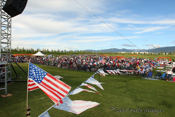 Many gathered early with the Tetons in the background awaiting the appearance of Glenn Beck.