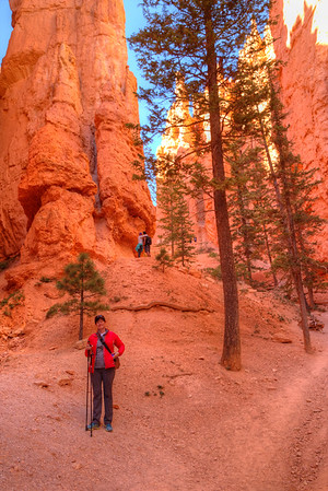 Hanging out on the Navajo Loop Trail