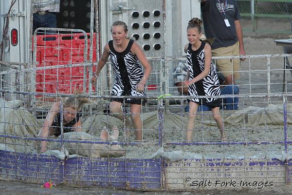 Pig wrestling divas!