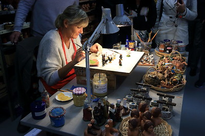 Painting the figurines - Marseille, France