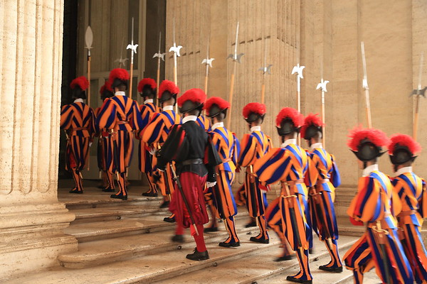 Blurry Swiss Guard because of a too-slow shutter speed