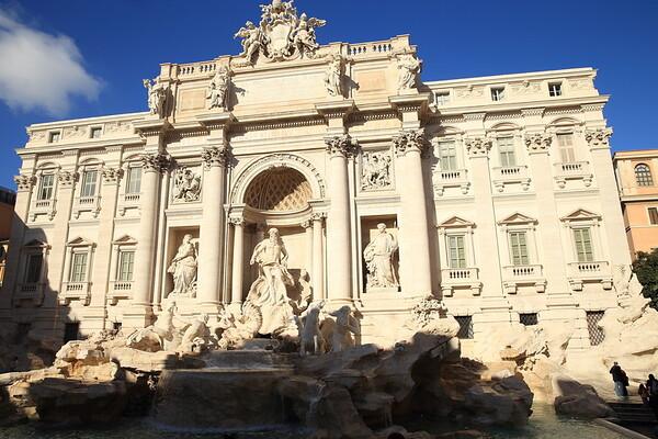 Fontana de Trevi - Trevi Fountain - Rome, Italy