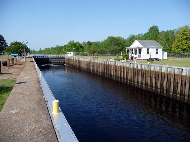 Dismal_Swamp_Canal07 4-25-11