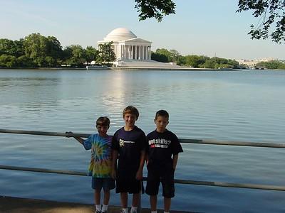 Kids accross from Jefferson Memorial