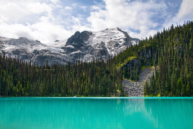 Middle Joffre Lake in Joffre Lakes Provincial Park in Summer